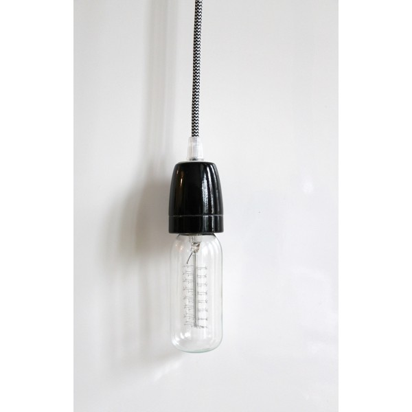 Suspension retro great suspension design retro effet bois for Luminaire noir suspension